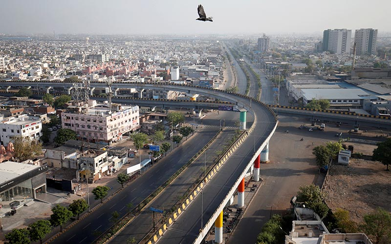 A view shows empty roads during a 14-hour long curfew to limit the spreading of coronavirus disease (COVID-19) in the country, in Ahmedabad, India, March 22, 2020. Photo: Reuters
