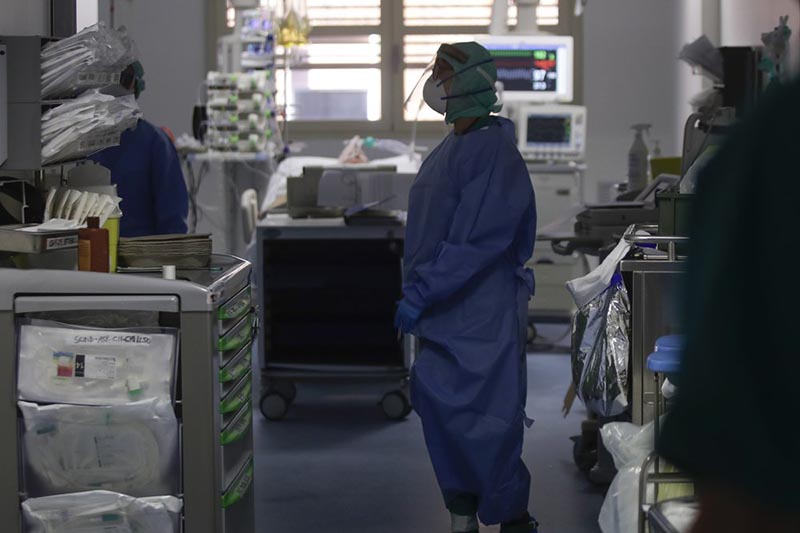 In this March 16, 2020, photo, doctors work in the intensive care unit of the Brescia hospital, Italy. Hospitals in northern Italy are struggling to make room for the onslaught of coronavirus patients. Photo: AP