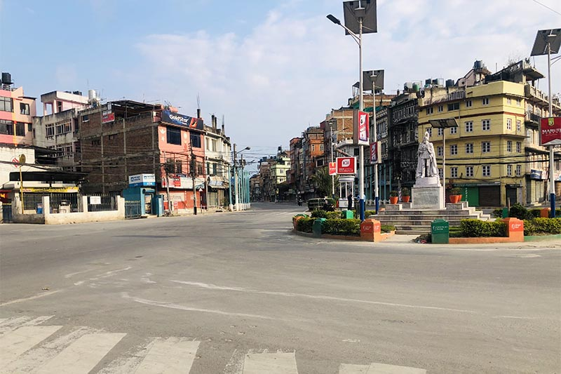 Tripureshwor wears deserted look on the first day of week-long nationwide lockdown amid coronavirus crisis, in Kathmandu, on Tuesday, March 24, 2020. Photo: Mausam Shah Nepali/THT