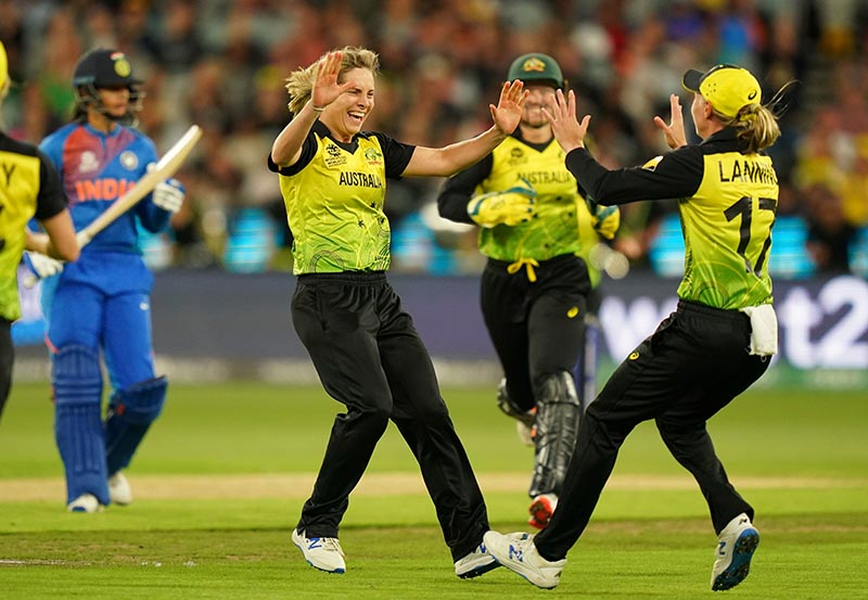 Sophie Molineux of Australia celebrates after dismissing Smriti Mandhana of India during the Women's T20 World Cup final cricket match between Australia and India at the MCG in Melbourne, Australia, March 8, 2020. Photo: Reuters