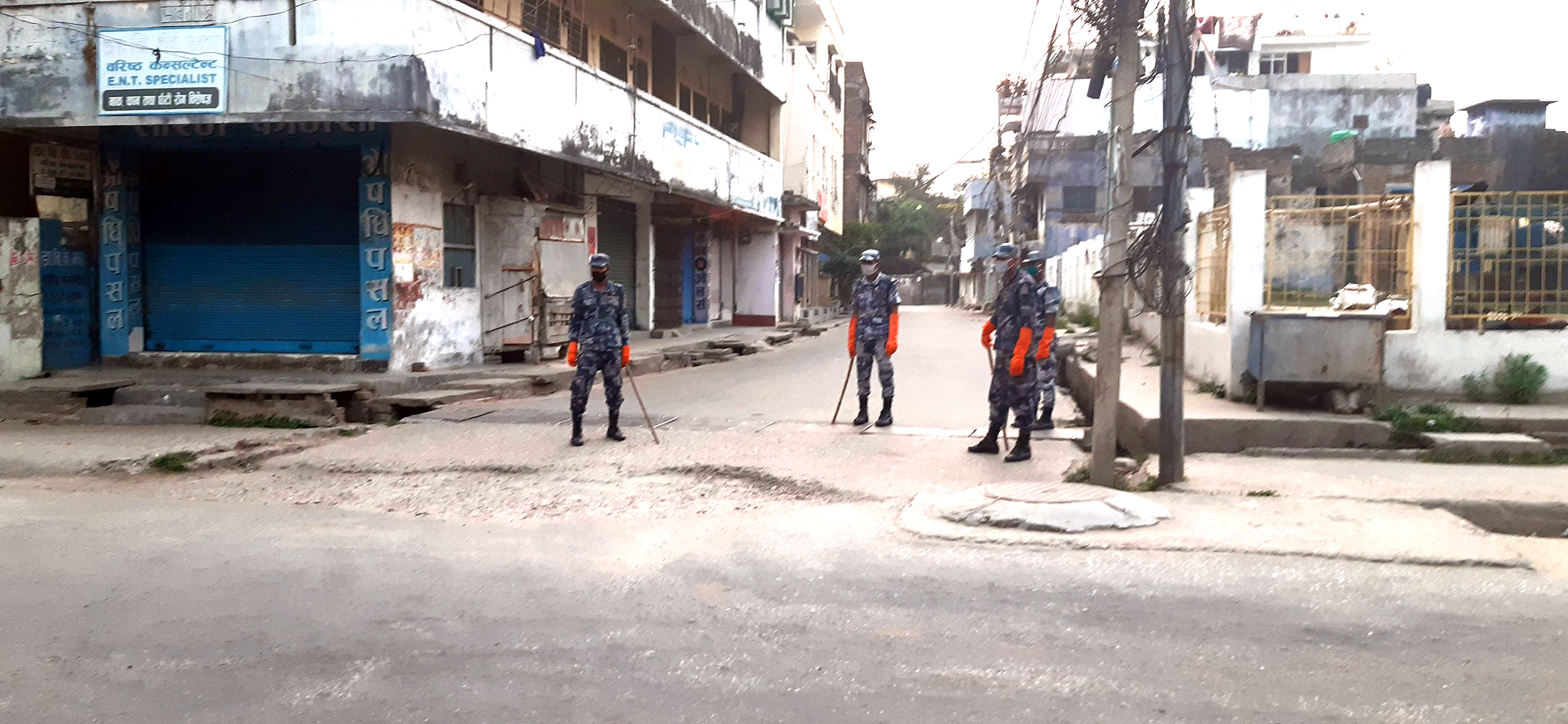 Police personnels have been deployed in the Chapkkaiya area of Birgunj Metropolitan after recent discovery of three Corona positive cases, on Sunday, April 12, 2020. Photo: Ram Sarraf/THT