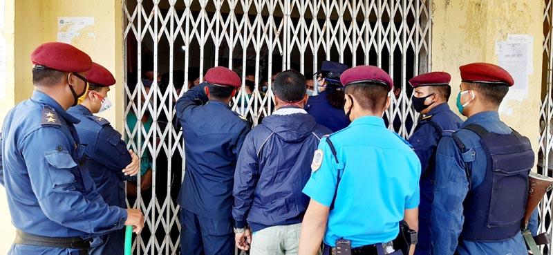 Security personnel monitoring quarantine at Thakur Ram Multiple Campus in Birgunj Metropolitan City, Parsa district, on April 1, 2020. Photo: Ram Sarraf/THT