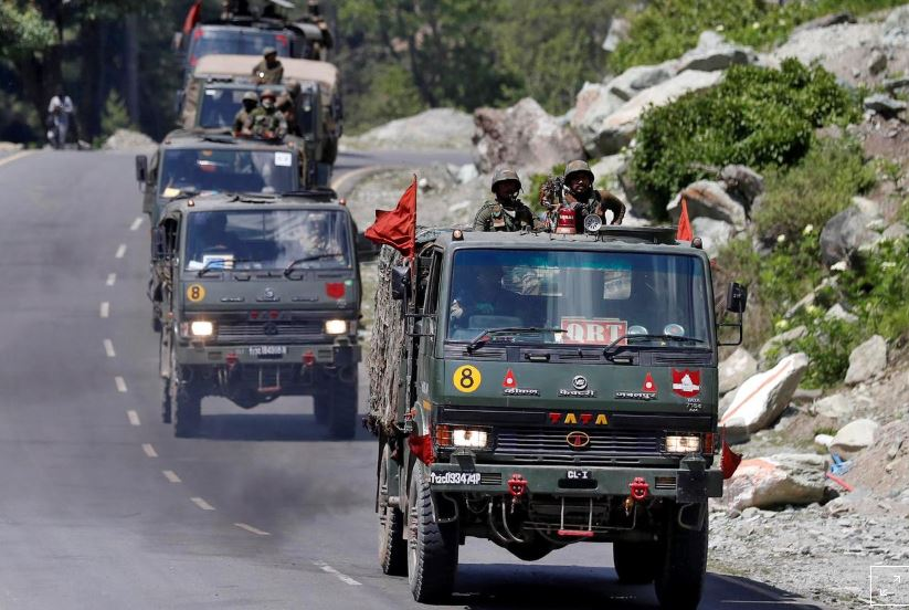 An Indian Army convoy moves along a highway leading to Ladakh, at Gagangeer in Kashmir's Ganderbal district June 18, 2020. File Photo: Reuters