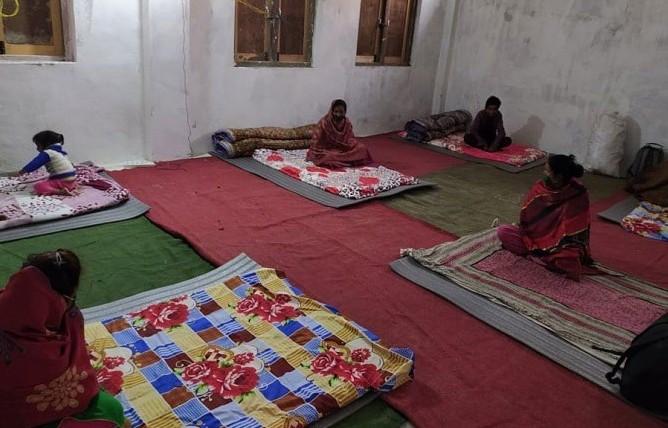 COVID-19 suspects maintaining social distancing in a quarantine facility set up inu00a0Dhangadiu00a0sub-metropolis,u00a0Kailali, on Tuesday. Photo: THTu00a0