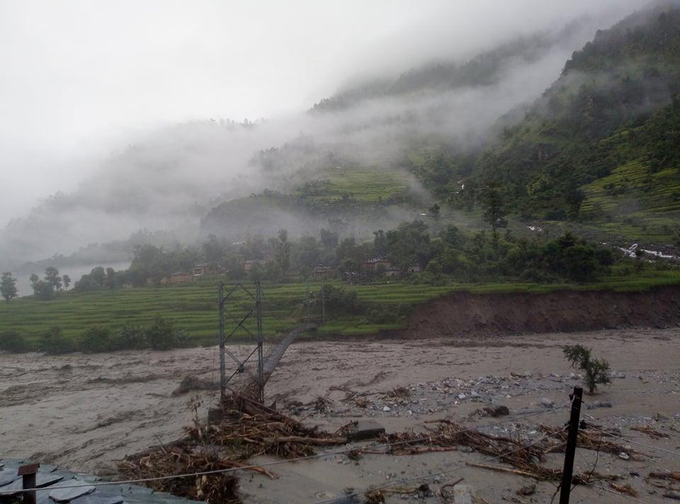Budhiganga floods due to incessant rainfall. Photo: Prakash Singh/THT