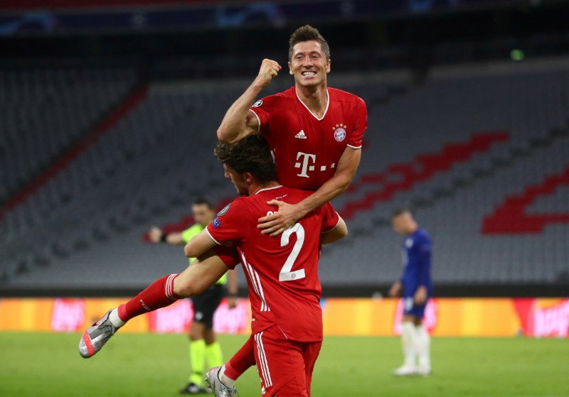 Bayern Munich's Robert Lewandowski celebrates scoring their fourth goal during the Champions League Round of 16 Second Leg, match between Bayern Munich and Chelsea, at Allianz Arena, in Munich, Germany, on August 8, 2020, as play resumes behind closed doors following the outbreak of the coronavirus disease (COVID-19). Photo: Reuters