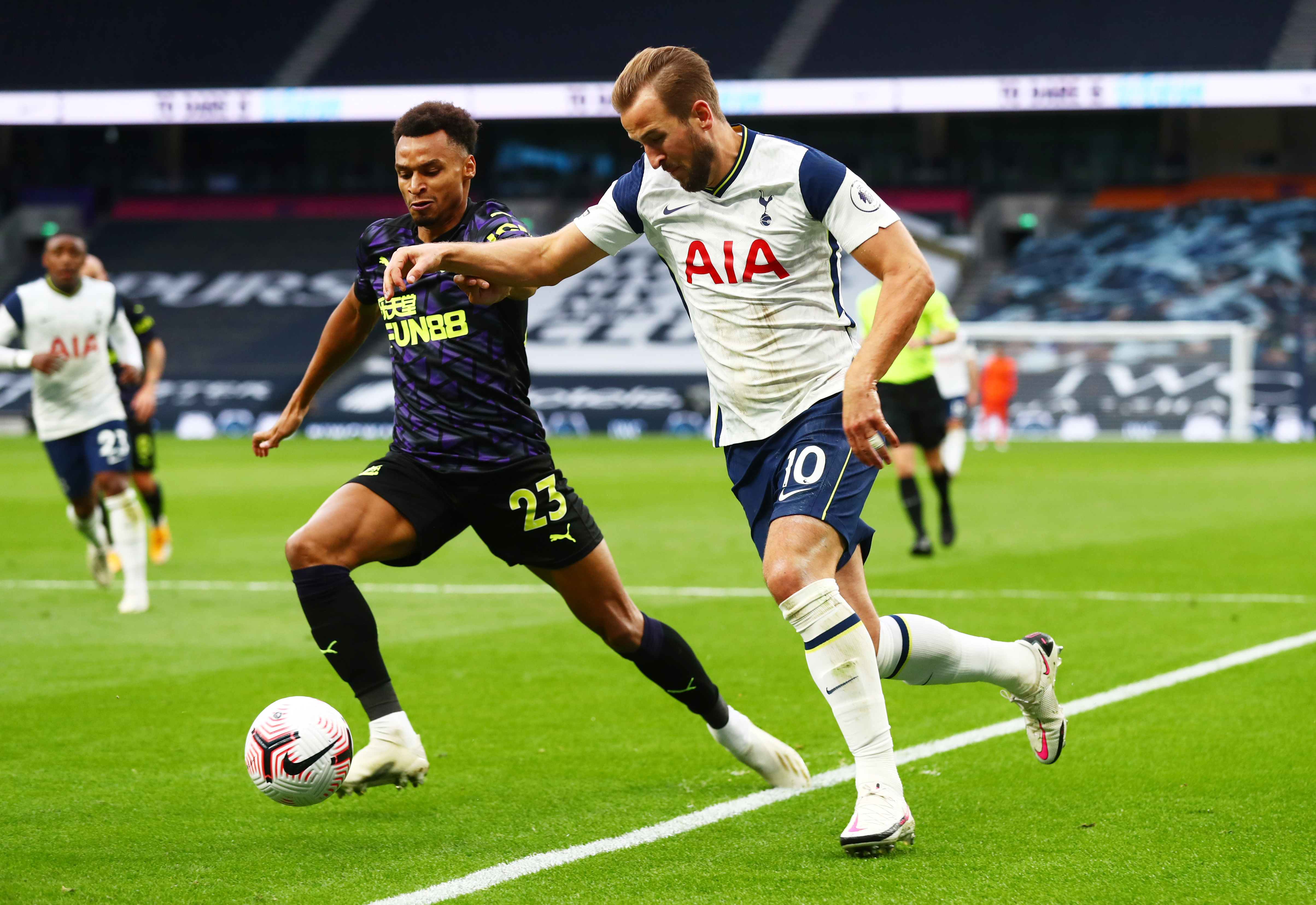 Tottenham Hotspur's Harry Kane in action with Newcastle United's Jacob Murphy. Photo: Reuters