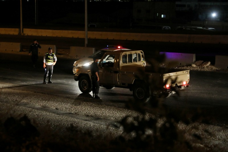 ordanian police check point close the highway between Jordanian capital of Amman and the city of Zarqa, after of large explosions at a Jordanian army base outside the city of Zarqa on the northeastern edge of capital Amman, Jordan, September 11, 2020.  Photo: Reuters
