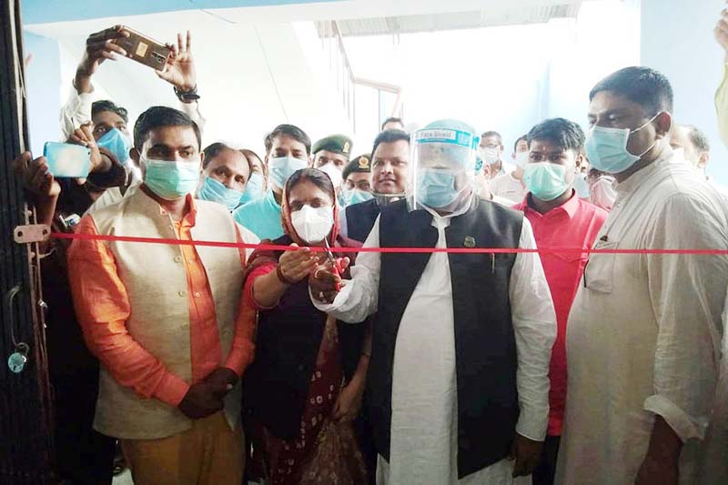 Provincial Social Development Minister Nawalkishor Sah inaugurating a PCR lab set up in Gaur Hospital with the assistance of the provincial government on Friday, September 18, 2020. Photo: THT