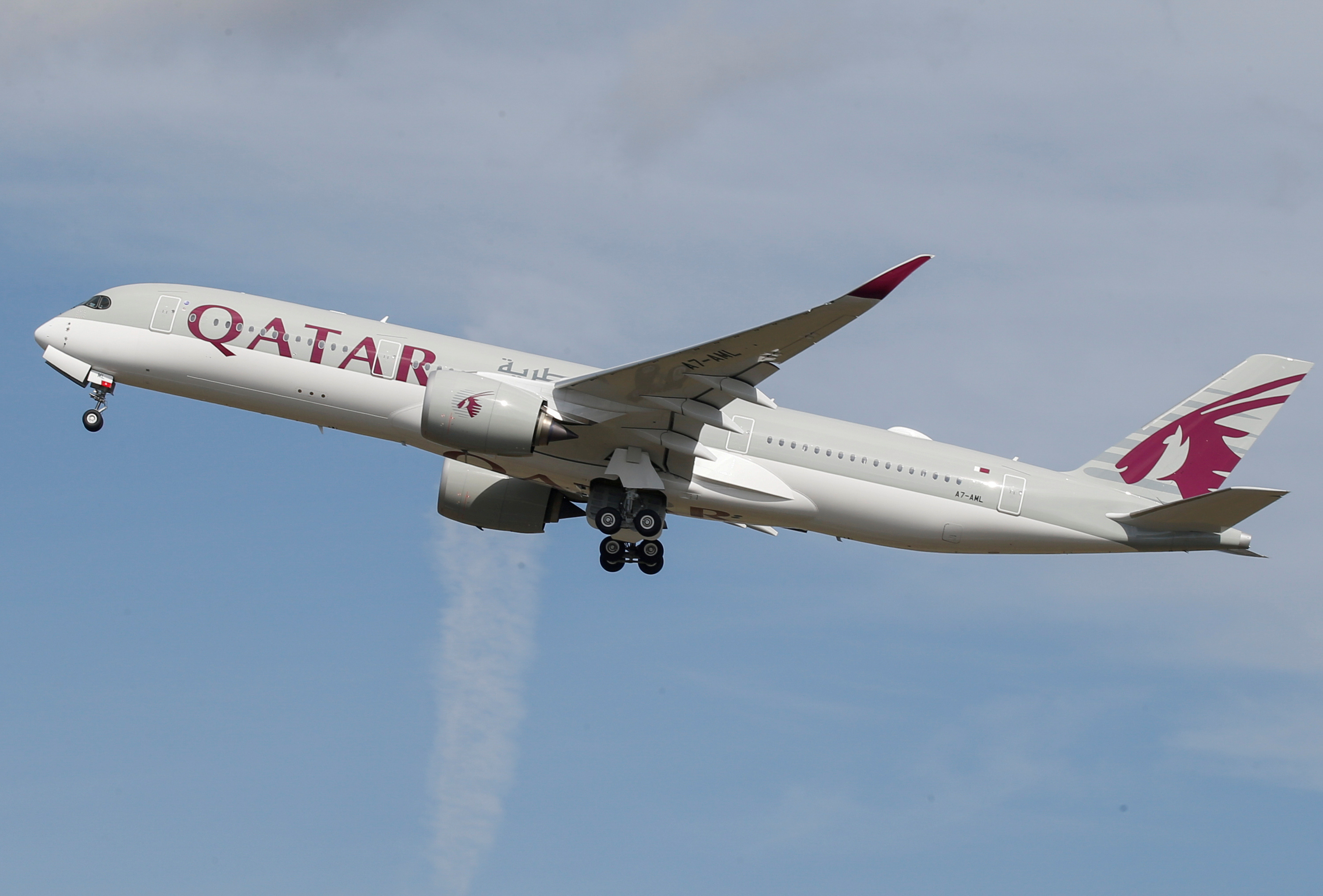 FILE PHOTO: A Qatar Airways aircraft takes off at the aircraft builder's headquarters of Airbus in Colomiers near Toulouse, France, September 27, 2019. Photo: Reuters