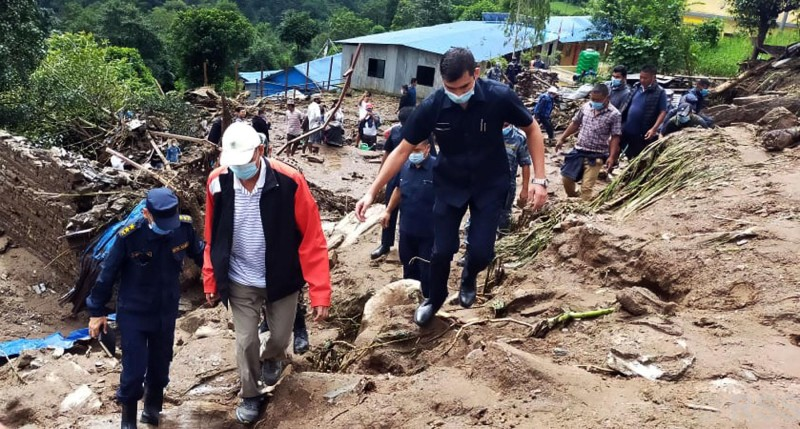 House of Representative Speaker Agni Sapkora inspecting the landslide hit area in Ghumthang, Bahrabise Municipality-7 in Sindhupalchok district on Sunday, September 13, 2020. Photo: RSS