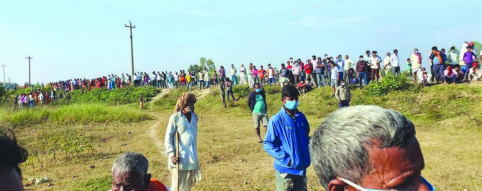 Locals attending the funeral of deceased NC leader Madan Mandal in Aduwa Khola, Bara, on Sunday. Photo: THT