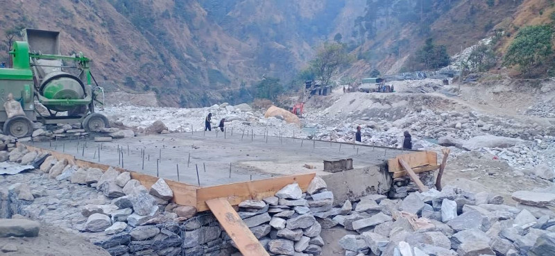 Construction site of a Bailey bridge over the Jadanga River along the Sanphe-Martadi road section n Badimalika Municipality, Bajura, as pictured on Thursday, December 18, 2020.Photo: Prakash Singh/THT