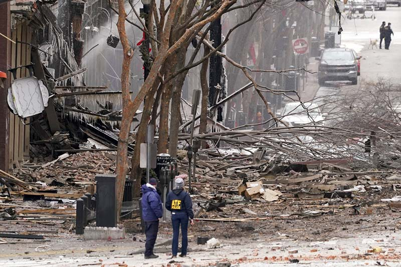 Emergency personnel work near the scene of an explosion in downtown Nashville, Tennessee, on Friday, December 25, 2020. Buildings shook in the immediate area and beyond after a loud boom was heard early Christmas morning. Photo: AP