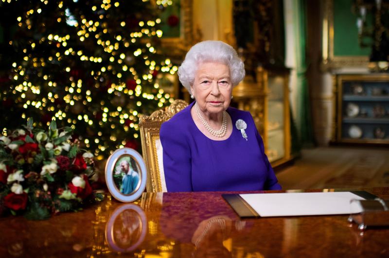 Britain's Queen Elizabeth II records her annual Christmas broadcast in Windsor Castle, Berkshire, Britain December 24, 2020. Picture taken December 24, 2020. Photo:  Victoria Jones/Pool via Reuters