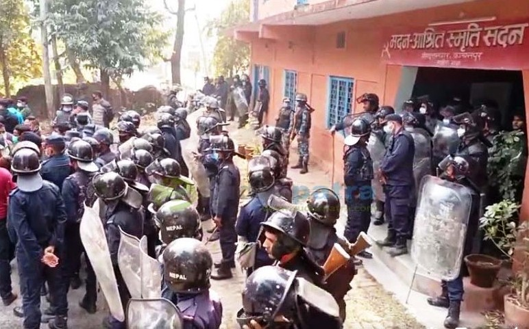 Police deployed to take the situation under control after the rival faction of NCP(NCP) clashed at the premise of party office in Kanchanpur on Sunday, December 28, 2020. Photo: Tekendra Deuba/ THT