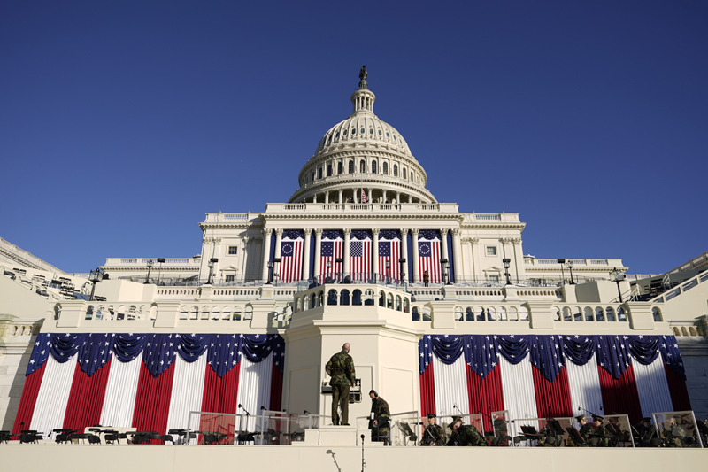 Final preparations are made ahead of the 59th Presidential Inauguration at the U.S. Capitol in Washington, Tuesday, Jan. 19, 2021. Photo: AP