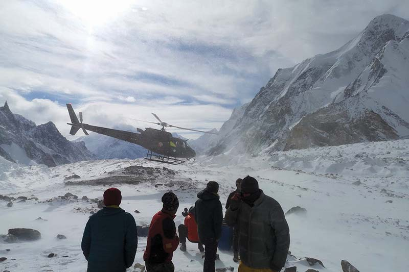 A mountaineer being evacuated from K2 base camp after u2018minor medical problem. Photo courtesy: Arnold Coster / Twitter